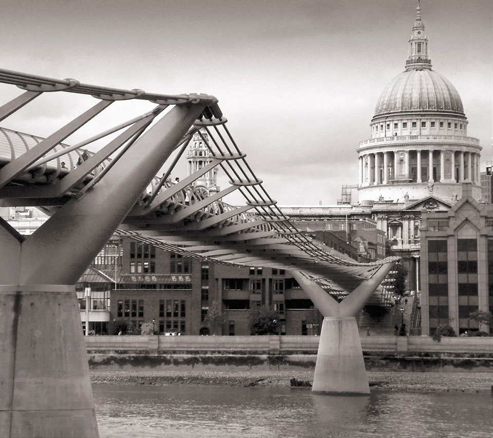 arch_london_millenium_wobbly_bridge